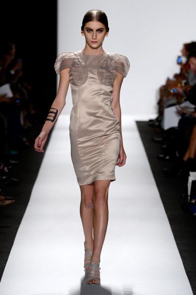 Fernanda Calfat「The Art Institutes - Runway - Mercedes-Benz Fashion Week Spring 2015」:写真・画像(11)[壁紙.com]