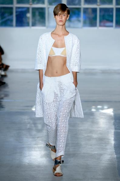 Adults Only「Zero + Maria Cornejo - Runway - Mercedes-Benz Fashion Week Spring 2015」:写真・画像(7)[壁紙.com]