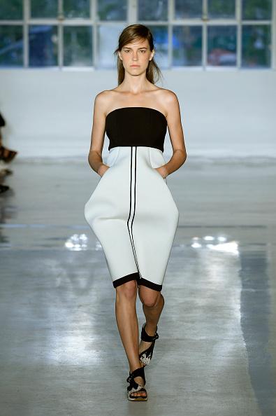 Adults Only「Zero + Maria Cornejo - Runway - Mercedes-Benz Fashion Week Spring 2015」:写真・画像(6)[壁紙.com]