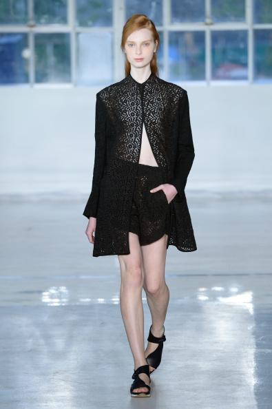 Fernanda Calfat「Zero + Maria Cornejo - Runway - Mercedes-Benz Fashion Week Spring 2015」:写真・画像(9)[壁紙.com]