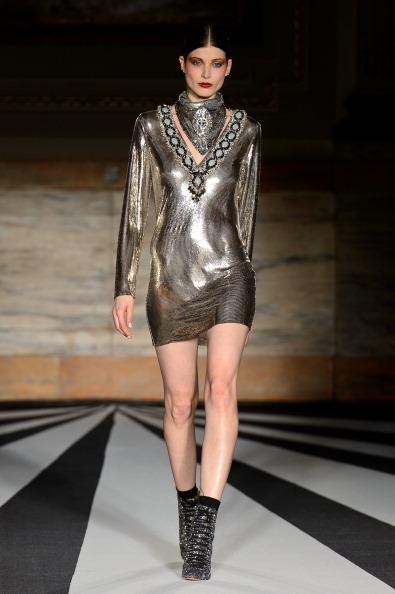 Silver Colored「Matthew Williamson: Runway - London Fashion Week AW14」:写真・画像(15)[壁紙.com]