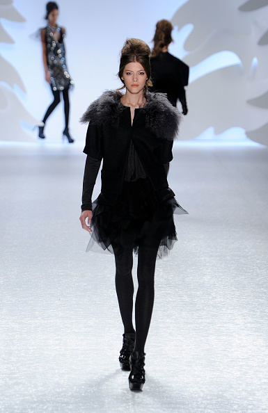 Bryant Park「Mercedes-Benz Fashion Week Fall 2010 - Official Coverage - Runway - Day 6」:写真・画像(19)[壁紙.com]