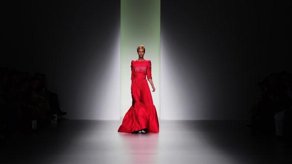Focus On Foreground「Bora Aksu - Runway: London Fashion Week SS14」:写真・画像(5)[壁紙.com]
