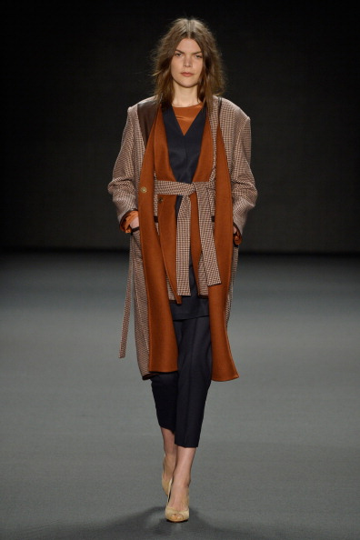 Coat - Garment「Alena Akhmadullina Show - Mercedes-Benz Fashion Week Autumn/Winter 2014/15」:写真・画像(13)[壁紙.com]