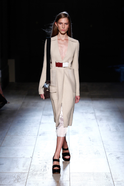 Shoulder Bag「Victoria Beckham- Runway - Mercedes-Benz Fashion Week Spring 2015」:写真・画像(19)[壁紙.com]