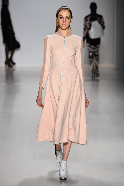 The Salon - Lincoln Center「Oudifu- Runway - Mercedes-Benz Fashion Week Fall 2015」:写真・画像(12)[壁紙.com]