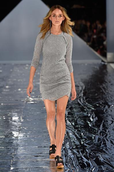 Three Quarter Length Sleeve「Watson X Watson - Runway - Mercedes-Benz Fashion Week Australia 2015」:写真・画像(5)[壁紙.com]