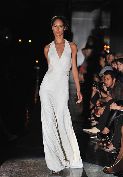 Raul Penaranda - Runway - Spring 2012 Mercedes-Benz Fashion Week:ニュース(壁紙.com)