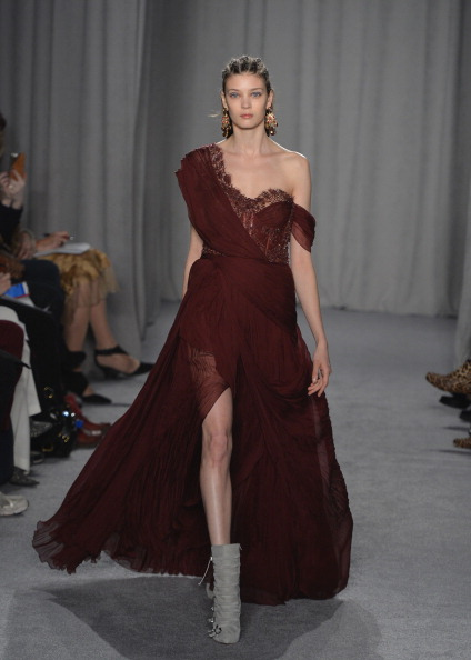 Slit - Clothing「Marchesa - Runway - Mercedes-Benz Fashion Week Fall 2014」:写真・画像(10)[壁紙.com]