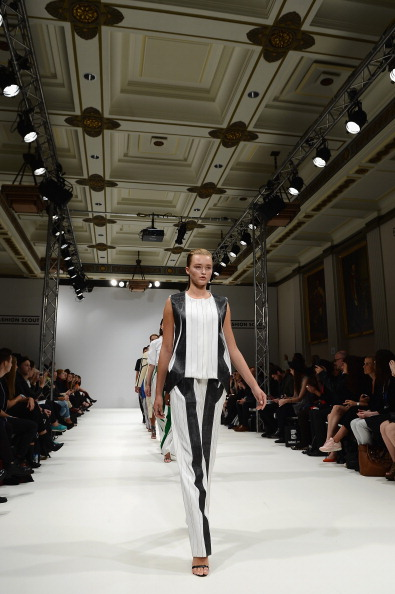 Ian Gavan「Swedish School Of Textiles - Runway: London Fashion Week SS14」:写真・画像(4)[壁紙.com]