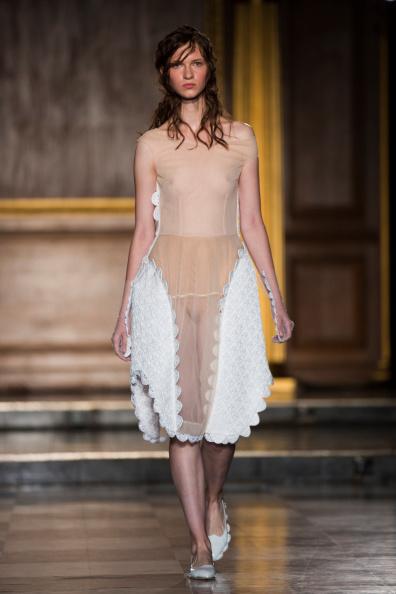 服装「Simone Rocha: Runway - London Fashion Week SS15」:写真・画像(8)[壁紙.com]