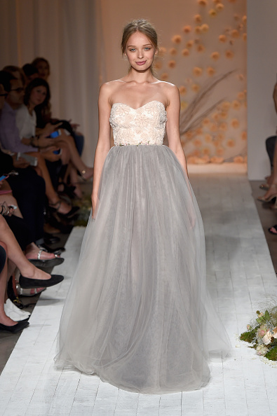 Strapless Evening Gown「LC Lauren Conrad - Runway - Spring 2016 New York Fashion Week」:写真・画像(8)[壁紙.com]