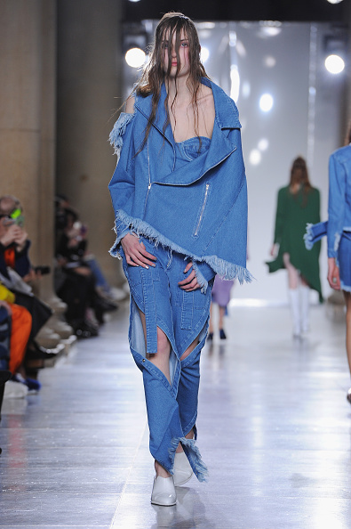 Double Denim「Marques'Almeida - Runway - LFW FW15」:写真・画像(19)[壁紙.com]