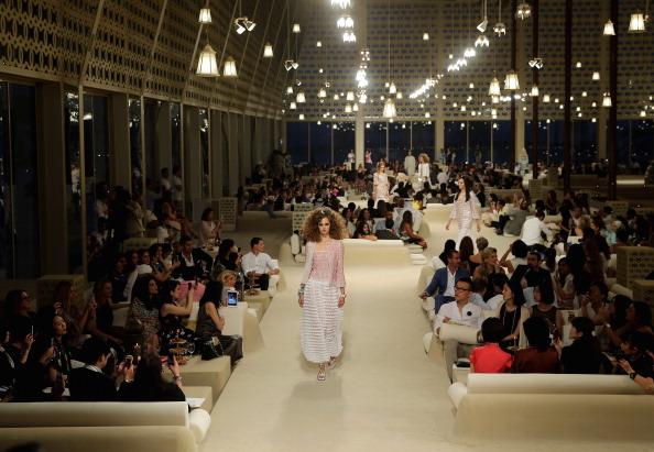 Francois Nel「Chanel Cruise 2014/2015 Collection - Runway」:写真・画像(12)[壁紙.com]
