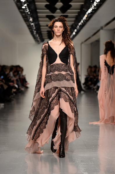 London Fashion Week「Antonio Berardi - Runway - LFW February 2017」:写真・画像(7)[壁紙.com]