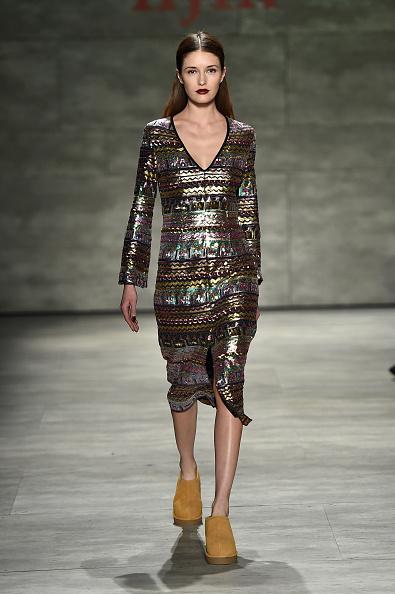 Suede「IIJIN - Runway - Mercedes-Benz Fashion Week Fall 2015」:写真・画像(17)[壁紙.com]