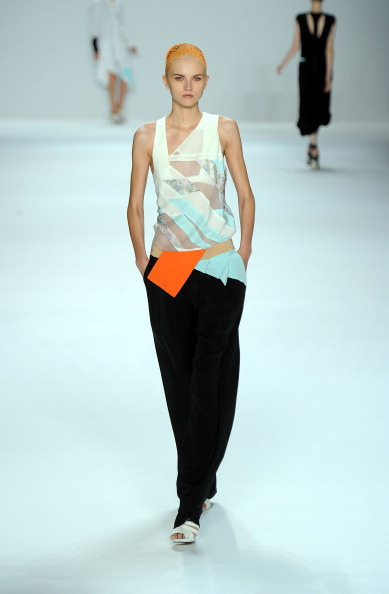 Spring Collection「Narciso Rodriguez - Runway - Spring 2012 Mercedes-Benz Fashion Week」:写真・画像(7)[壁紙.com]