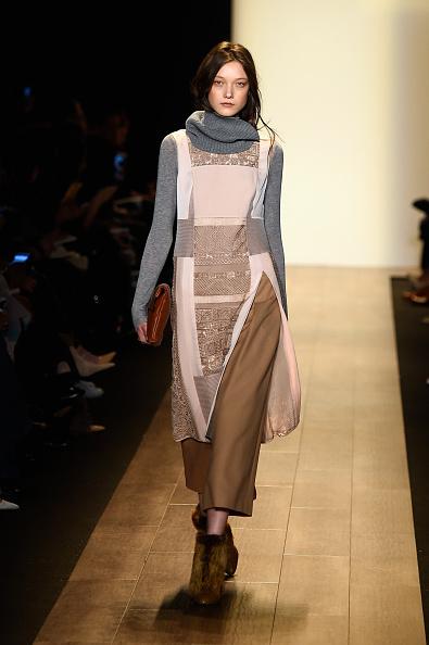 Brown Shoe「BCBGMAXAZRIA - Runway - Mercedes-Benz Fashion Week Fall 2015」:写真・画像(10)[壁紙.com]