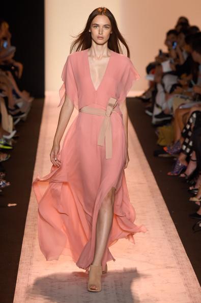ランウェイ・ステージ「BCBGMAXAZRIA - Runway - Mercedes-Benz Fashion Week Spring 2015」:写真・画像(16)[壁紙.com]