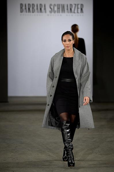 黒「Barbara Schwarzer Fashion Show」:写真・画像(5)[壁紙.com]