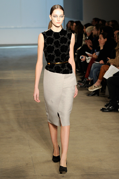 Gray Skirt「Derek Lam - Runway - Mercedes-Benz Fashion Week Fall 2014」:写真・画像(15)[壁紙.com]