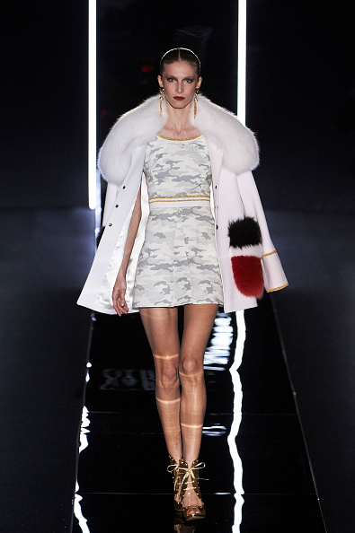 Fur Trim「Varela Catwalk - Mercedes-Benz Madrid Fashion Week Autumn/Winter 2016/2017」:写真・画像(18)[壁紙.com]