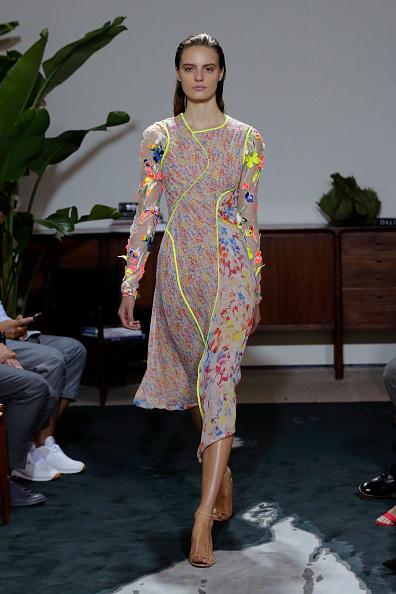 Multi Colored「Jason Wu - Runway - September 2016 - New York Fashion Week」:写真・画像(1)[壁紙.com]