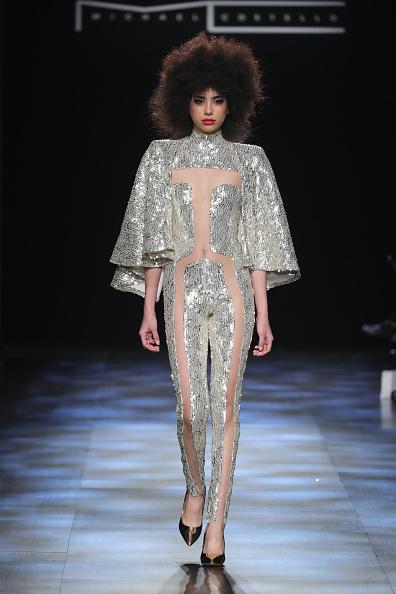 Metallic Shoe「Michael Costello - Runway - February 2017 - New York Fashion Week: The Shows」:写真・画像(3)[壁紙.com]