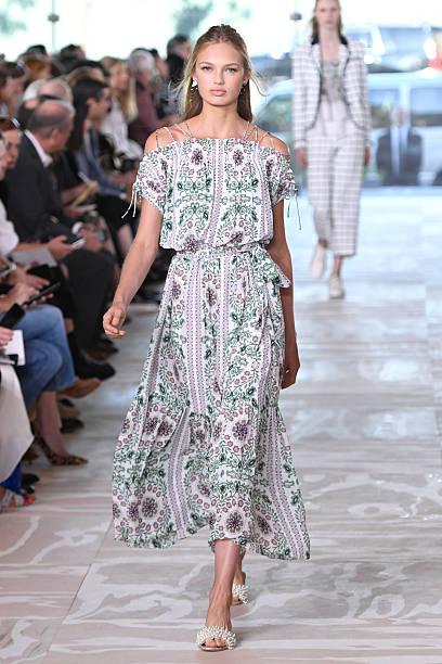 Tory Burch - Runway - September 2016 - New York Fashion Week:ニュース(壁紙.com)