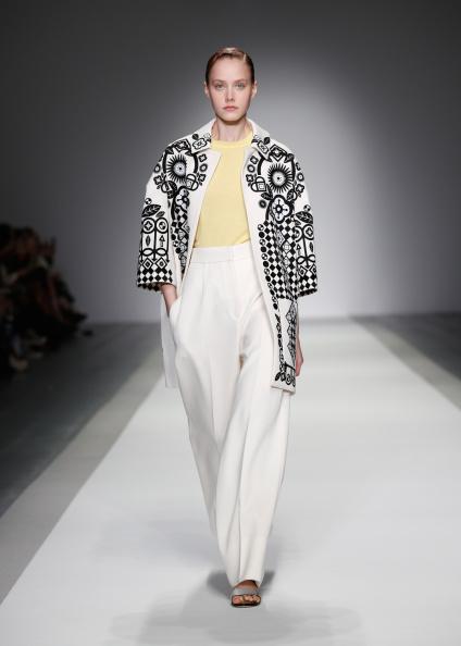 Tim P「Holly Fulton: Runway - London Fashion Week SS15」:写真・画像(18)[壁紙.com]