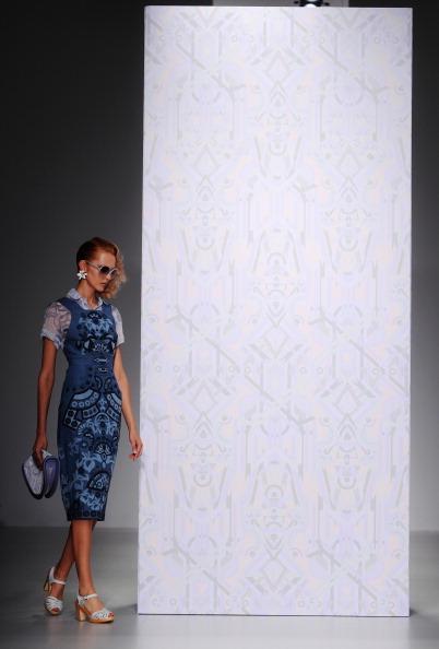 Stuart C「Holly Fulton - Runway: London Fashion Week SS14」:写真・画像(2)[壁紙.com]