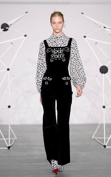 London Fashion Week「Holly Fulton - Runway - LFW AW16」:写真・画像(19)[壁紙.com]