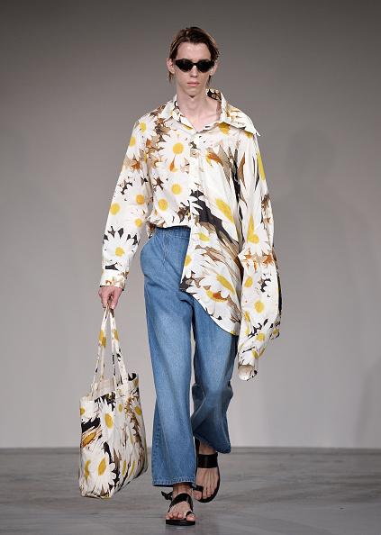 London Fashion Week「Alex Mullins - Runway - LFWM June 2017」:写真・画像(0)[壁紙.com]