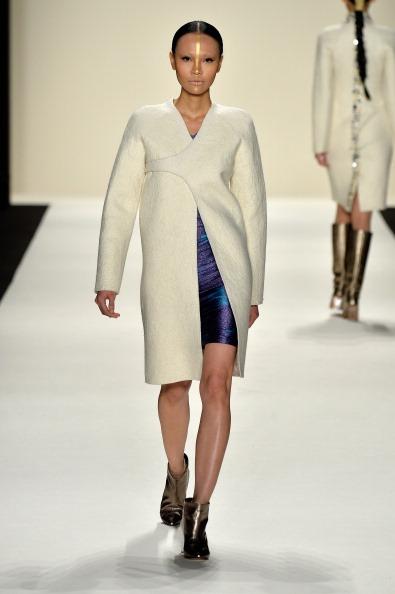 Metallic Shoe「Katya Zol - Runway - Mercedes-Benz Fashion Week Fall 2014」:写真・画像(11)[壁紙.com]