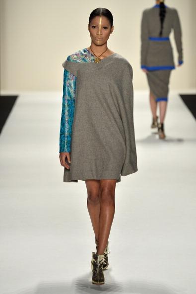 Metallic Shoe「Katya Zol - Runway - Mercedes-Benz Fashion Week Fall 2014」:写真・画像(9)[壁紙.com]