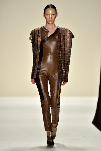 革「Katya Zol - Runway - Mercedes-Benz Fashion Week Fall 2014」:写真・画像(4)[壁紙.com]