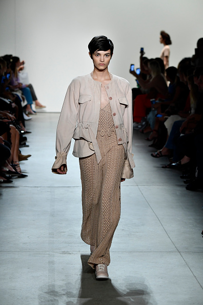 Fully Unbuttoned「Jonathan Simkhai - Runway - September 2017 - New York Fashion Week: The Shows」:写真・画像(18)[壁紙.com]