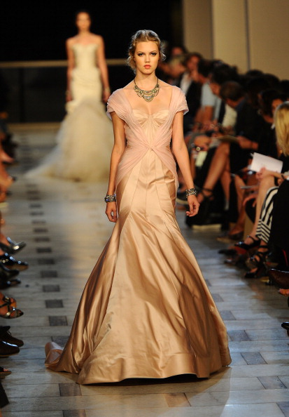 Avery Fisher Hall「Zac Posen - Runway - Spring 2012 Mercedes-Benz Fashion Week」:写真・画像(6)[壁紙.com]