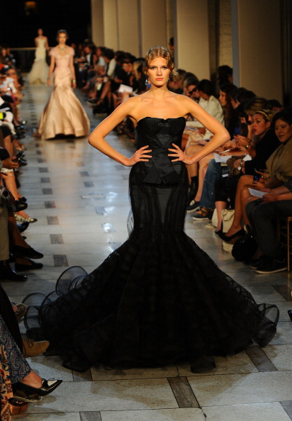 Avery Fisher Hall「Zac Posen - Runway - Spring 2012 Mercedes-Benz Fashion Week」:写真・画像(13)[壁紙.com]