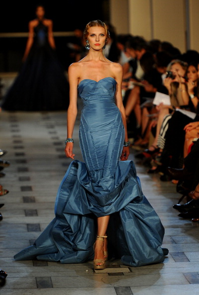 Avery Fisher Hall「Zac Posen - Runway - Spring 2012 Mercedes-Benz Fashion Week」:写真・画像(5)[壁紙.com]