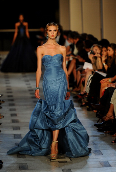 Avery Fisher Hall「Zac Posen - Runway - Spring 2012 Mercedes-Benz Fashion Week」:写真・画像(2)[壁紙.com]