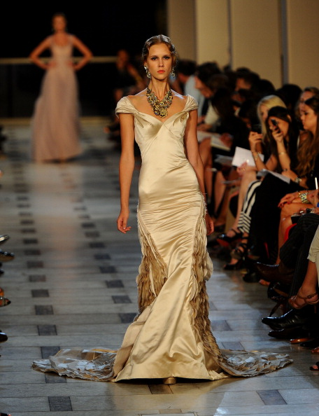 Avery Fisher Hall「Zac Posen - Runway - Spring 2012 Mercedes-Benz Fashion Week」:写真・画像(3)[壁紙.com]