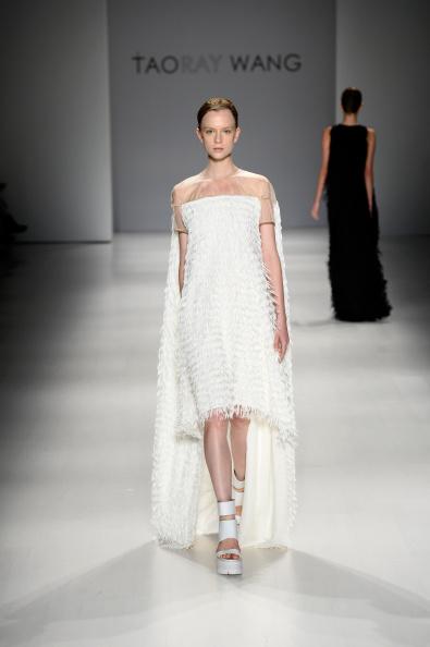 The Salon - Lincoln Center「Taoray Wang - Runway - Mercedes-Benz Fashion Week Spring 2015」:写真・画像(2)[壁紙.com]