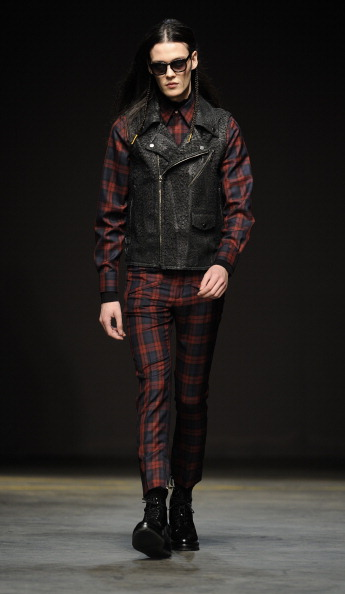 Black Shoe「A.Sauvage: Runway - London Collections: Men AW14」:写真・画像(0)[壁紙.com]