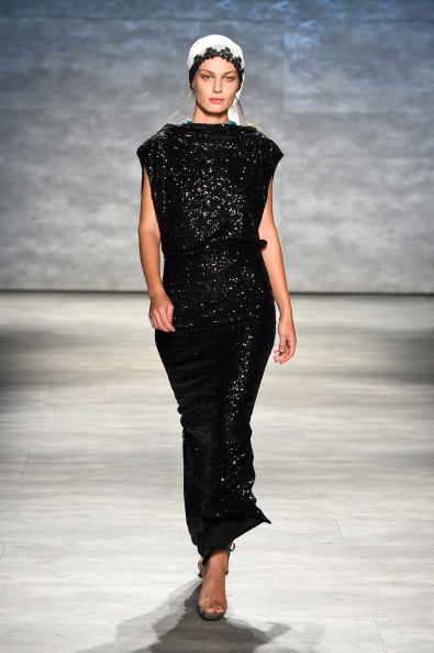 Sequin Dress「Dorin Negrau - Runway - Mercedes-Benz Fashion Week Spring 2015」:写真・画像(16)[壁紙.com]