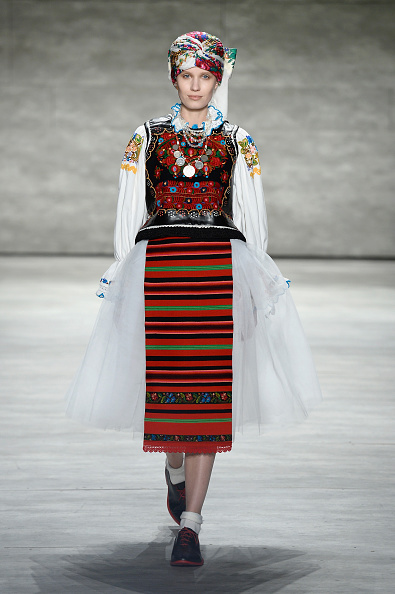Personal Accessory「Dorin Negrau - Runway - Mercedes-Benz Fashion Week Fall 2015」:写真・画像(13)[壁紙.com]