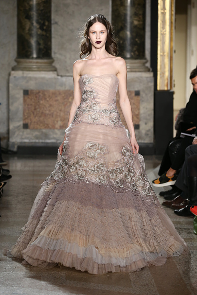 Strapless Evening Gown「Luisa Beccaria - Runway & Close-ups - MFW FW2015」:写真・画像(0)[壁紙.com]