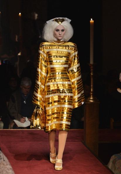 Gold Purse「Thom Browne Women's - Runway - Mercedes-Benz Fashion Week Fall 2014」:写真・画像(6)[壁紙.com]
