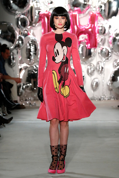 Mickey Mouse「Lena Hoschek Show - Mercedes-Benz Fashion Week Berlin A/W 2017」:写真・画像(18)[壁紙.com]