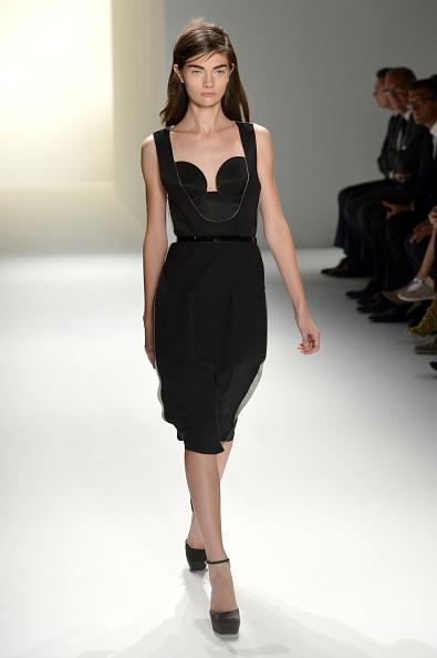 Spring Collection「Calvin Klein Collection - Runway - Spring 2013 Mercedes-Benz Fashion Week」:写真・画像(2)[壁紙.com]